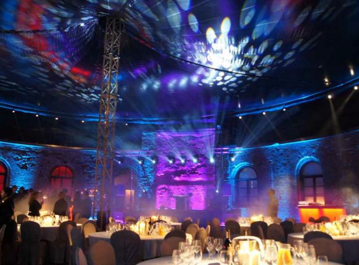 atrakcje na wesele - dekoracja swiatlem