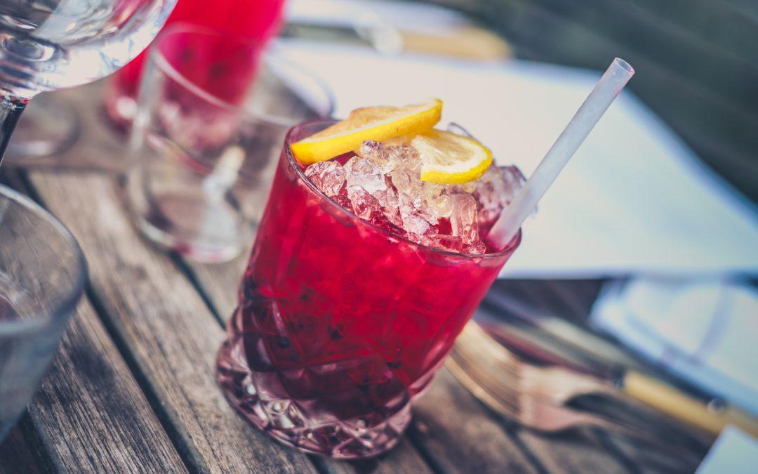 Lód na wesele – zanim rozpłyniesz się ze wstydu, schłodź dobrze napoje