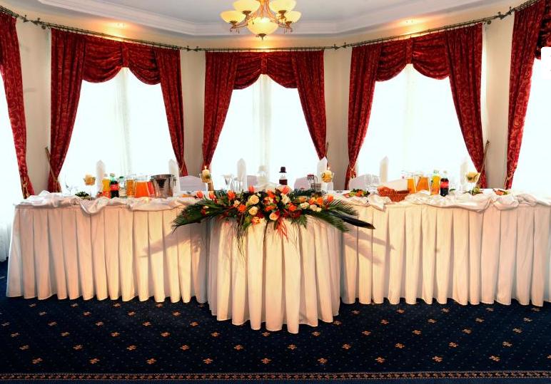 Hotel Złote Dęby – Wesele W Stolicy